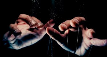puppet hands